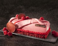 Christmas cake with raspberries recipe photo