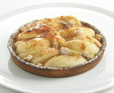 Apple pie à l'ancienne with cashew nuts photo