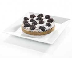 Frangipanne with blackberries photo