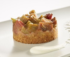 Rhubarb crumble pie with cinnamon  photo